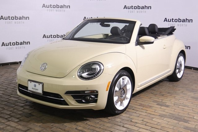 Pre-Owned 2019 Volkswagen Beetle Convertible 2.0T Final Edition SEL