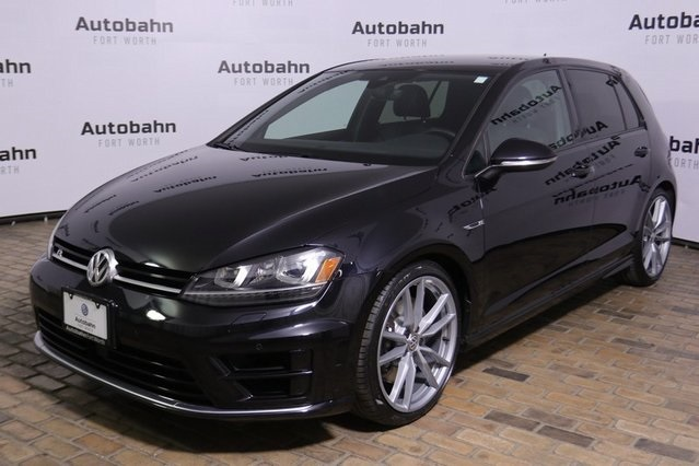 Pre-Owned 2017 Volkswagen Golf R DCC & Navigation